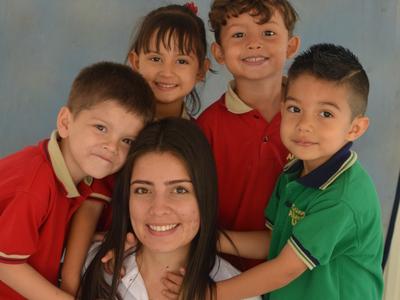 Educación PERSONALIZADA HUMANIZANTE capaz de formar a alumnos en un mundo cambiante.